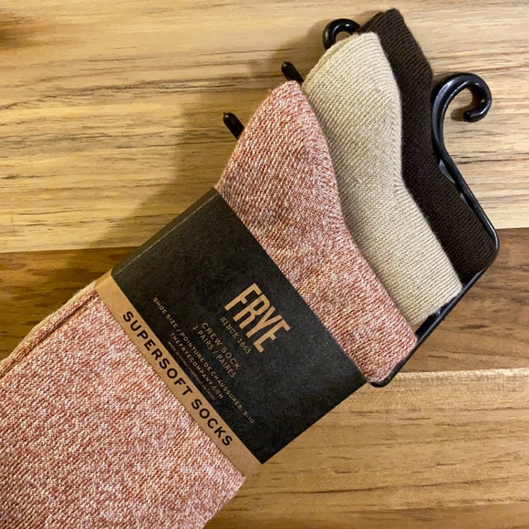 Frye • 6-Pairs of Crew Supersoft Socks